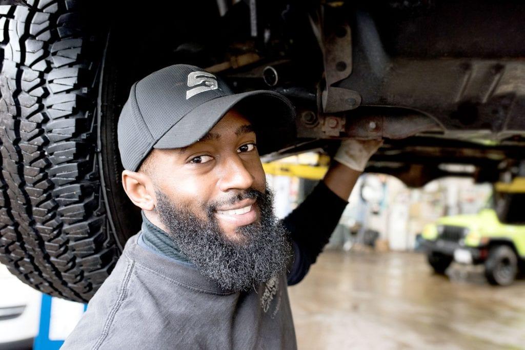 mechanic-engine-oil-change