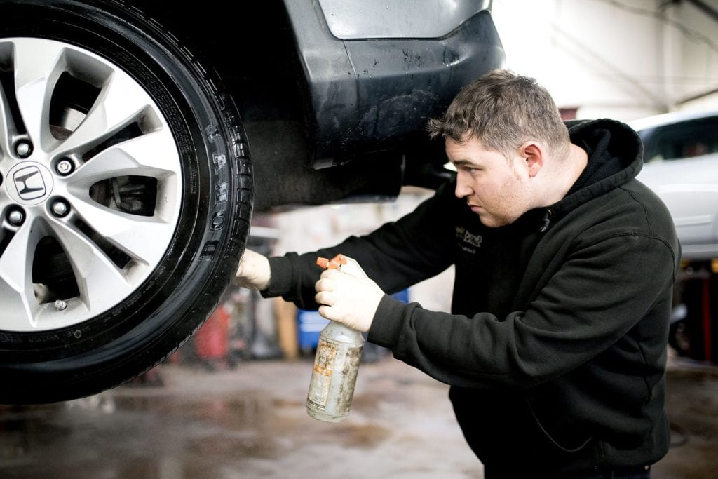 vehicle tire repair auto mechanic2